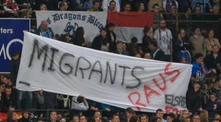Migrants raus starsbourg stade foot racisme