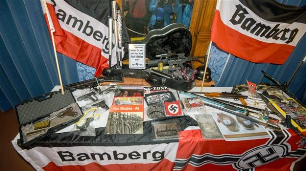 151022_to3sn_armes-neonazis-allemagne_sn635