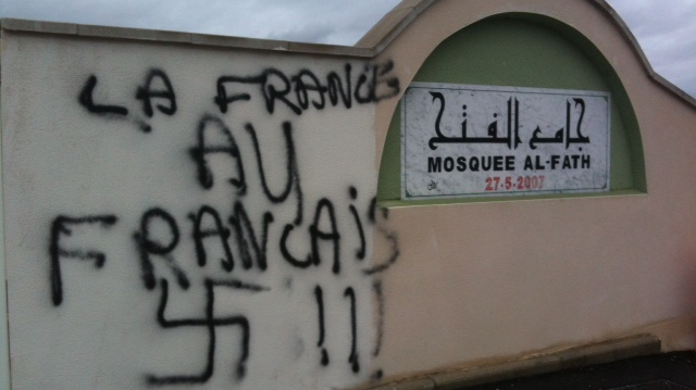 islamophobie racisme mosquée tag nazi islam