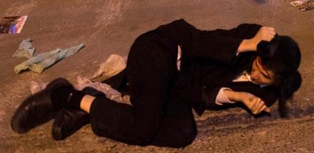 Israeli police officers confront Ultra Orthodox Jews during a protest against a government proposal to draft them into the military in front of a recruiting office in Jerusalem on May 16, 2013. Photo by Flash90 *** Local Caption *** äôâðä ðâã âéåñ çøãéí åðâã çå÷ èì ìùëú âéåñ áéøåùìéí