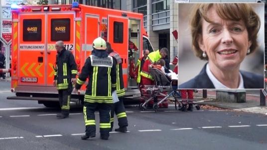 poignardee henriette reker extreme droite nationaliste migrant
