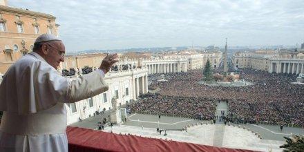 le-vatican-evoque-une-grave-trahison-de-la-confiance_3314025_800x400