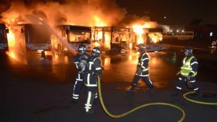 quatre-bus-detruits-dans-un-incendie
