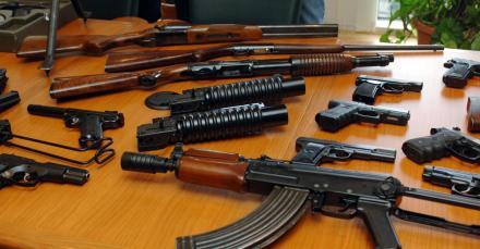 armes-guerre-saisie-bruxelles-2012