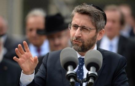 Les-migrants-sont-nos-freres-en-humanite-rappelle-le-grand-rabbin-de-France_article_popin