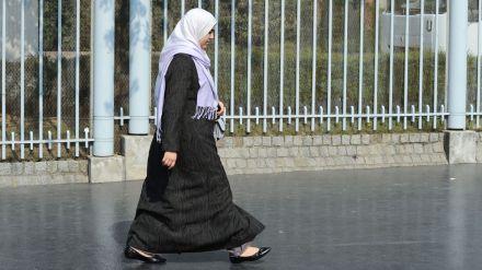 un-femme-portant-le-hijab_4009673