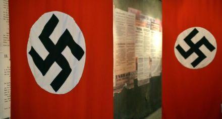 1881150-drapeaux-nazis