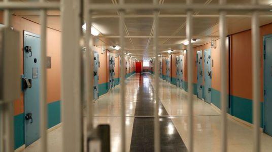 general-view-inside-the-renovated-men-s-building-in-the-fleury-merogis-prison-near-paris_4950995.jpg