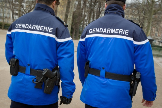 FRANCE-POLICE-GENDARMERIE-ILLUSTRATION