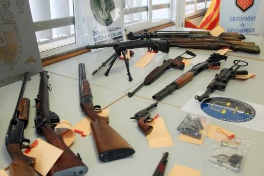 7772223144_une-saisie-d-armes-faite-par-la-police-a-perpignan-le-18-mars-2014.jpg