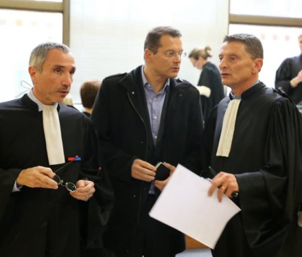 francis-adolphe-(au-centre)-entoure-de-ses-conseils-photo-le-dl-patrick-roux-1458155843.jpg