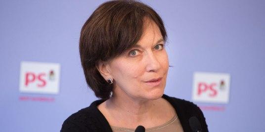 Nommee-au-gouvernement-l-ancienne-porte-parole-du-PS-Laurence-Rossignol-va-etre-plus-sobre-sur-Twitter