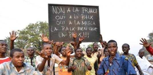 6786769-centrafrique-manifestation-anti-francaise-a-bangui