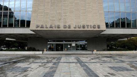l-entree-du-tribunal-d-annecy-le-12-septembre-2012_5446829.jpg
