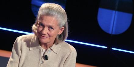Tenues-islamiques-une-militante-anti-racisme-appelle-au-boycot-d-Elisabeth-Badinter.jpg