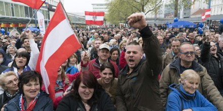 Migrants-l-Autriche-restreint-son-droit-d-asile