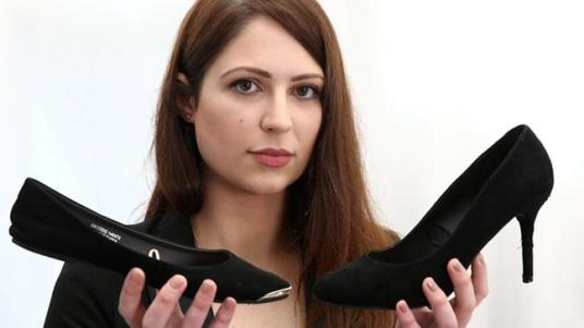 receptionist-starts-petition-against-sexist-dress-code-after-being-sent-home-from-work-for-not-wearing-high-heels-136406029123903901-160511180124