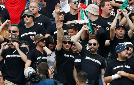 5896467_salut-nazi.jpg