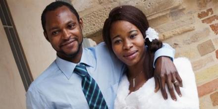 """Emmanuel Chidi Namdi, il 36enne nigeriano richiedente asilo in coma irreversibile a Fermo dopo un pestaggio da parte di un ultr‡ 35enne della Fermana, che prima aveva insultato la moglie dandole della """"scimmia africana"""". Lui e la sua compagna Chinyery, di 24 anni, erano arrivati al seminario vescovile di Fermo, che accoglie profughi e migranti, lo scorso settembre. ANSA/ PER GENTILE CONCESSIONE DI IL REDATTORE SOCIALE ++HO - NO SALES EDITORIAL USE ONLY ++"""