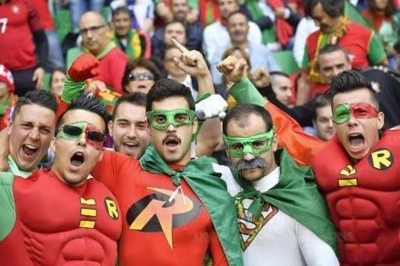 les-supporters-portugais-sont-nombreux-a-saint-etienne-photo-afp-1465928121.jpg