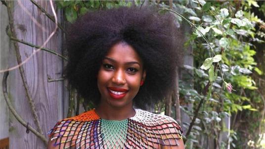 afrique_du_sud_un_lycee_de_pretoria_interdit_aaux_jeunes_filles_leur_coiffure_afro