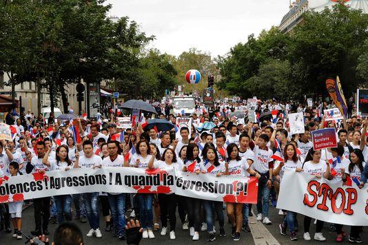 4992358_6_b25e_des-milliers-de-manifestants-de-la-communaute_2325711565266962575321fe2f5a64dc