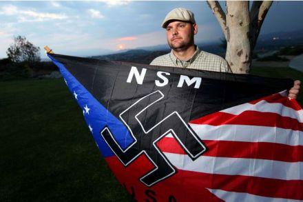 a-10-ans-il-tue-son-pere-neo-nazi-ses-avocats-veulent-revenir-sur-ses-aveux