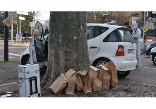 a-beaune-le-couple-avait-abandonne-sa-voiture-endommagee-et-avait-braque-un-automobiliste-pour-fuir-avec-le-vehicule-photo-d-archives-anne-lise-bertin-1479502853.jpg