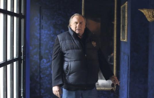 Gerard-Depardieu-s-exprime-sur-Trump-et-Le-Pen_pics_590.jpg