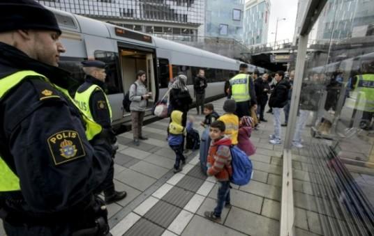 Suède-migrants-contrôles-frontières-e1447422136232.jpg