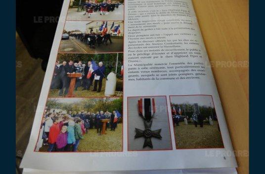 la-medaille-incriminee-dans-le-dernier-bulletin-municipal-de-mont-sous-vaudrey-photo-serge-dumont-1482775928.jpg