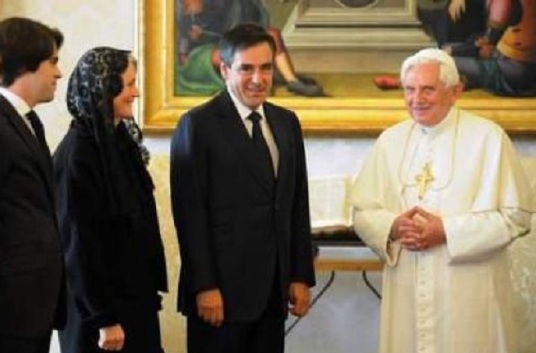 fillon-catholique-laicite-voile-pape-islam