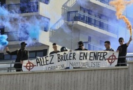 banderole-homophobe-et-loi-du-silence-1486501792