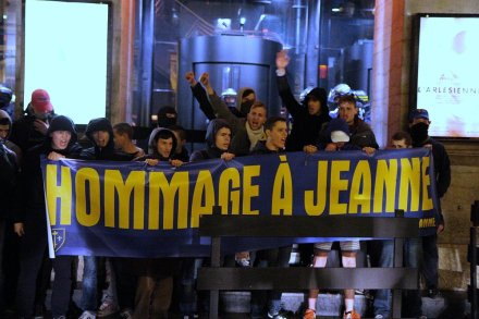 jeanne-au-bucher-extreme-droite-christianophobie