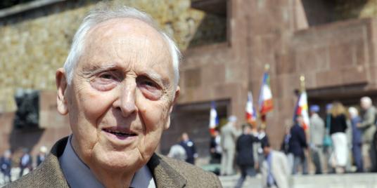 Daniel-Cordier-ancien-secretaire-de-Jean-Moulin-et-resistant-Marine-Le-Pen-est-la-negation-de-tout-ce-pourquoi-nous-nous-sommes-battus.png